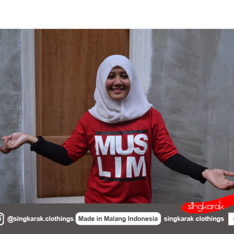 Muslim T shirt in Red